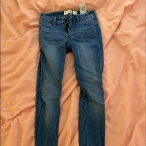 Low-rise jeans from hollister